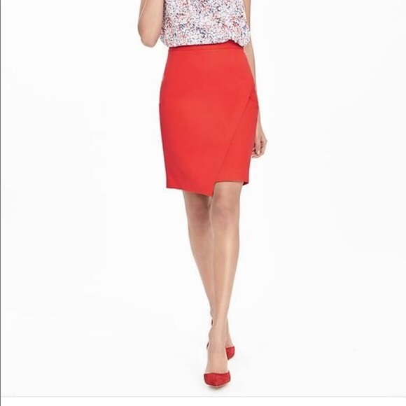 Banana Republic Dresses & Skirts - Banana Republic Sloan Asymmetrical Pencil Skirt